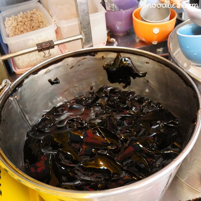 grass jelly pot