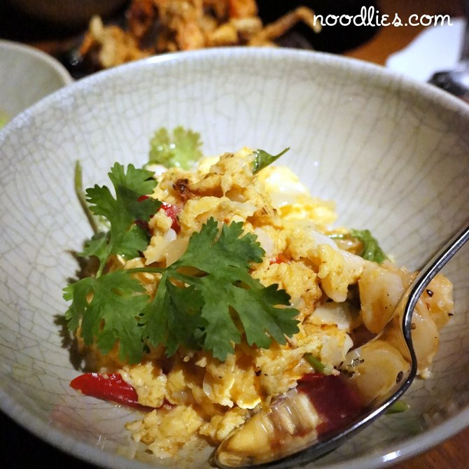 nahm stir fried prawn, chicken and egg