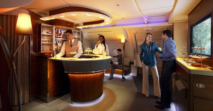 A380 Emirates onboard lounge