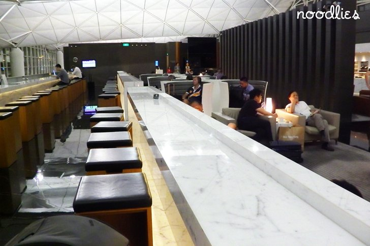 the wing lounge, cathay pacific, hong-kong