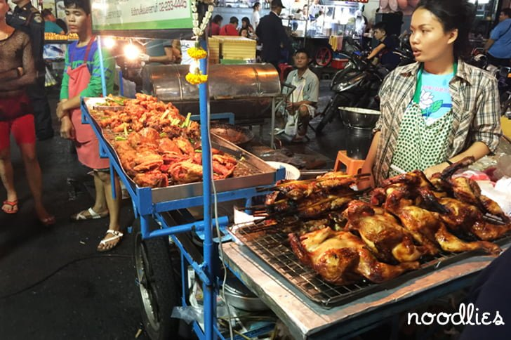 silom walking street sunday market